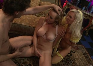 Elegant blonde demoiselle allows her paramour to give her a worthy pounding