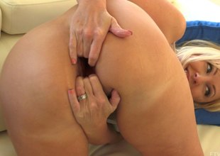 Extreme action as that babe shows her prolapsed butthole