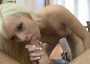 Rocco Siffredi gives eye-popping Dolly Spices mouth a try in oral action