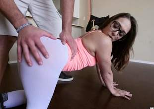 hot Sara Luvv is proud of her bubble butt. Four-eyed chick shows her cameltoe and then pulls down her skin tight white panties. Her big ideal ass makes mans knees weak