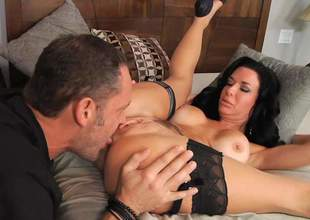 Veronica Avluv is such a mind-blowing brunette bombshell! Her juicy boobs are perfect and she is ready to let alec Knight kiss her wet fur pie and fuck her hard