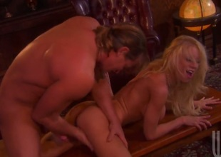 Katie Morgan enjoys dick sucking too much to stop in steamy oral action