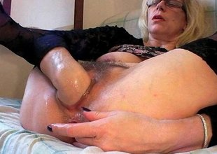Gilf fist fucks her old gaping meat holes